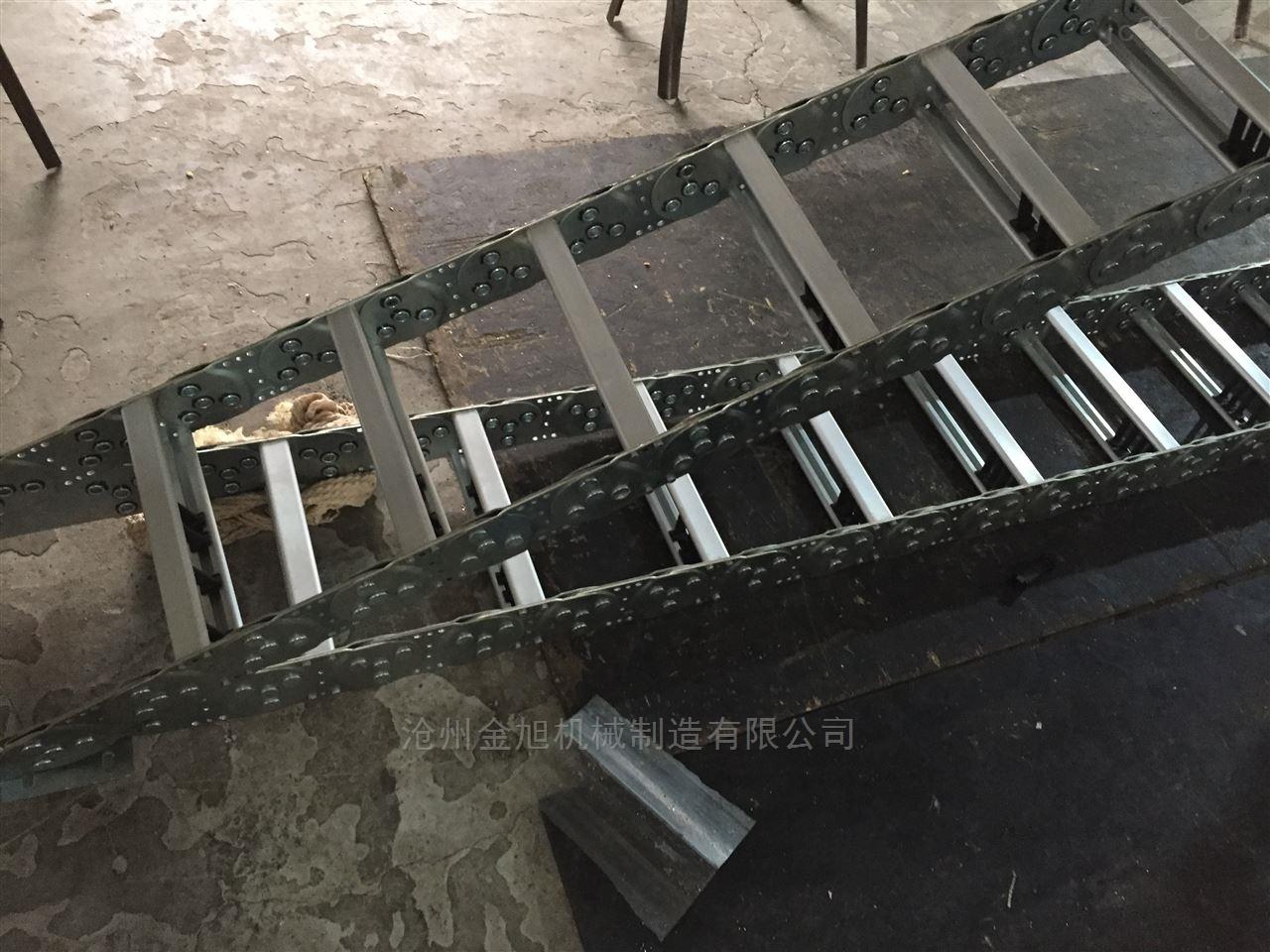 宝钢德盛公司钢制拖链
