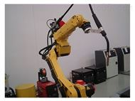 专注生产自动焊接机器人