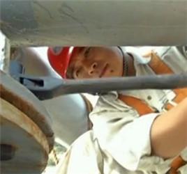 """管延安:用双手连接截止阀的""""深海钳工▄■▄■"""""""