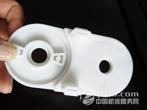 军兴附件:细节决定成败 为客户提供优质塑料拖链